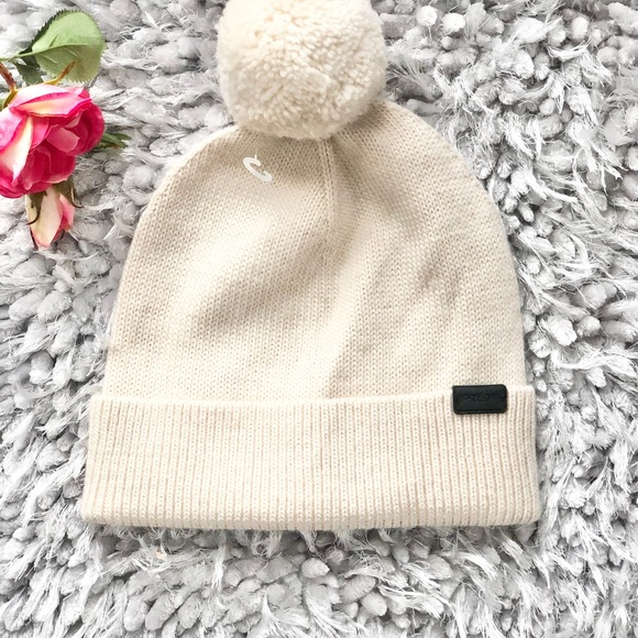 🆕New COACH BEAUTIFUL CREAM COLOR HAT WITH Pom Pom